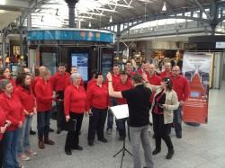 Glória singing in Heuston Station on Monday 29th April 2013